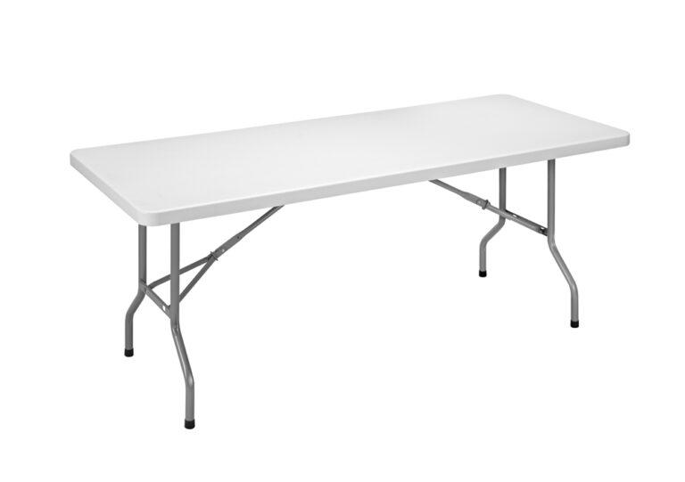Tables et chaises pliantes en polyéthylène